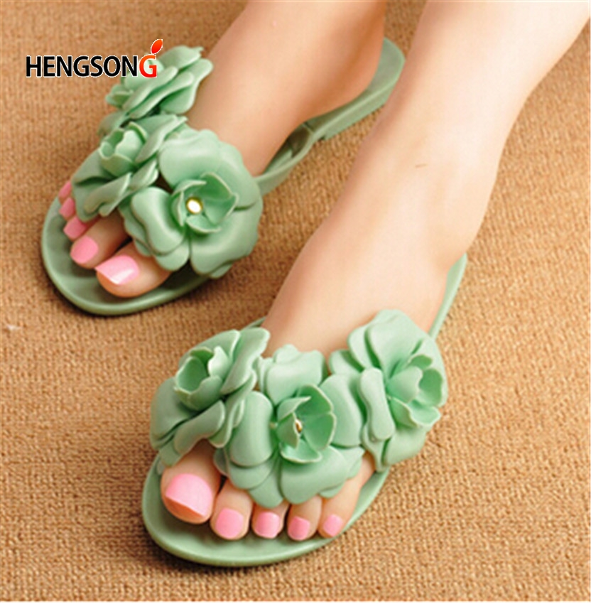 Women Summer Slippers Candy Color Female Fashion Flip Flop Flats Shoes With Beautiful Camellia Flower Sweet Beach SandalsWomen Summer Slippers Candy Color Female Fashion Flip Flop Flats Shoes With Beautiful Camellia Flower Sweet Beach Sandals
