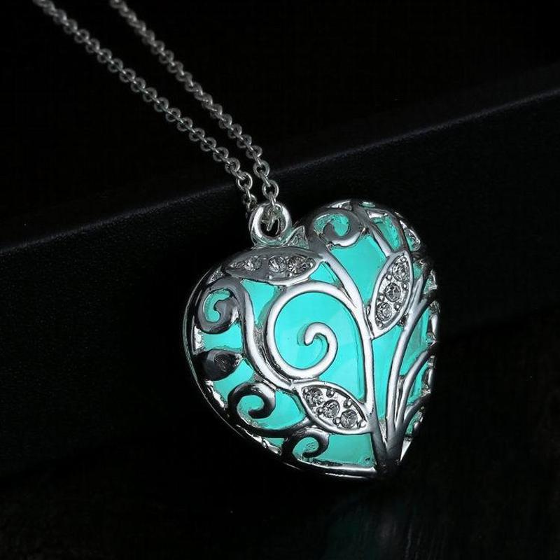 Glowing Heart Pendant - turquoise