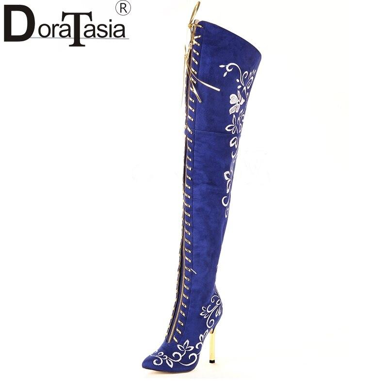 c494ebf49 DoraTasia/Брендовая женская обувь с вышивкой, большие размеры 34-43, женские  пикантные ботфорты на высоком тонком каблуке, Осень-зима