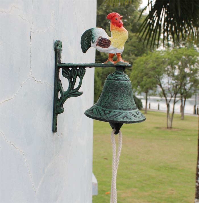 Cast Iron Hand Painted Bell of Welcome Rooster Metal Craft Home Wall Outdoor Decoration Dinner Bell Free Shipping