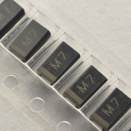 4pcs/lot M7 <font><b>1N4007</b></font> <font><b>SMD</b></font> 1A 1000V IN4007 Rectifier <font><b>Diode</b></font> In Stock image