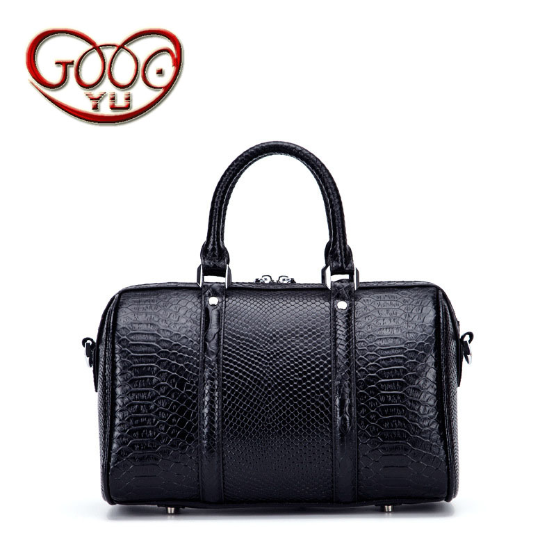 Ladies new first layer leather crocodile pattern European and American fashion shoulder diagonal portable Boston leather handbag ladies trend crocodile pattern portable large capacity diagonal shoulder bag shell shell european and american style leather big