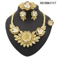 Yulaili Top Quality Elegant Luxury New Fashion Dubai Color Jewelry Sets Crystal Necklace Earrings Bracelet Sets for Women Party