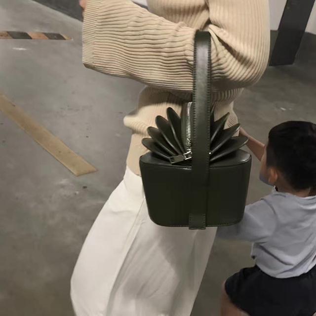 personality organ pleats women tote bag leather women designer handbags fashion small bucket handbag luxuy clutch purse