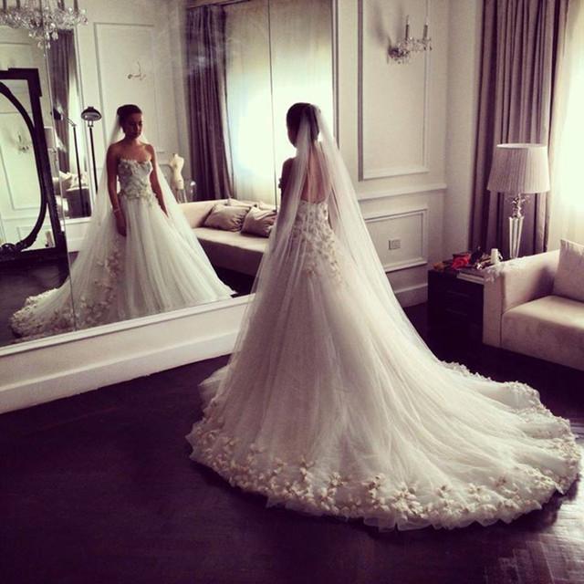 Romántica Novia Sin Tirantes de Tul Vestido de Novia Con Pétalos Falda Vestido De Noiva Robe De Mariage
