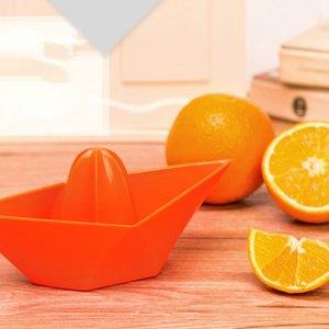 Mini Manual Boat Juicer Orange