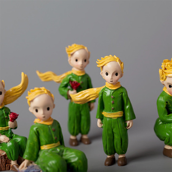 1pcs Christmas Cartoon Fairy Tale Little Prince Statues Decorative Figurine Resin Toys Home Accessories Brithday Gift Ornament