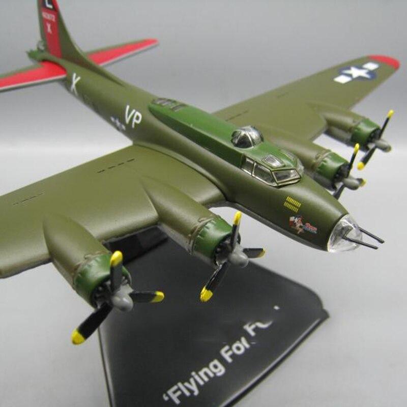 🛒 1/144 Scale World War II Classic Bomber Boeing B17 Aircraft