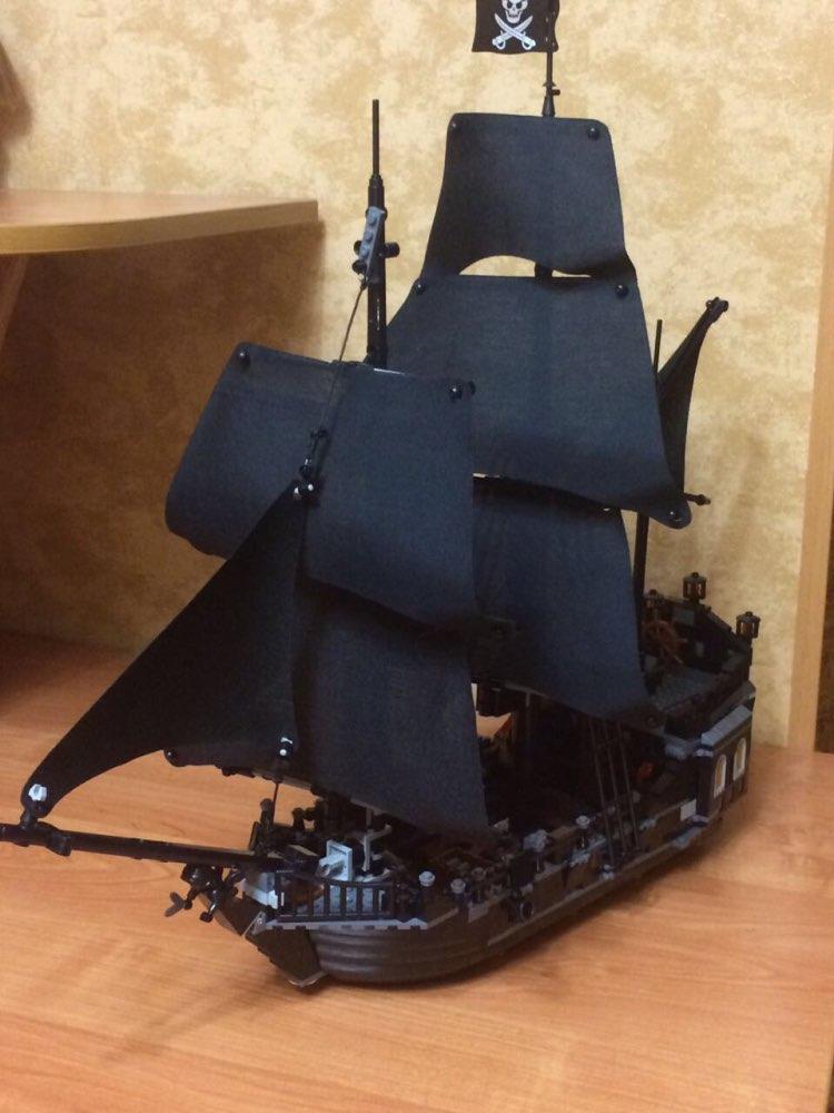 16006 & 16009 Pirates of the Caribbean The Black Pearl Pirate Ship Model set Building Blocks Kits bricks Toys for Children 4195