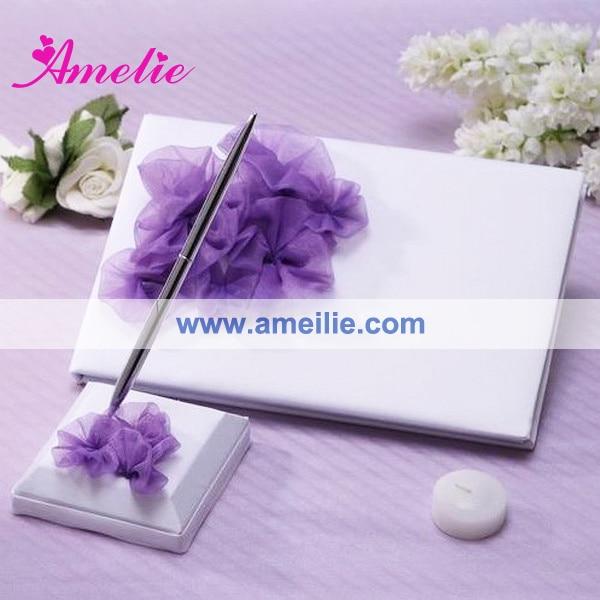 Conjunto de boda con flores de color púrpura blanco (libro de ...