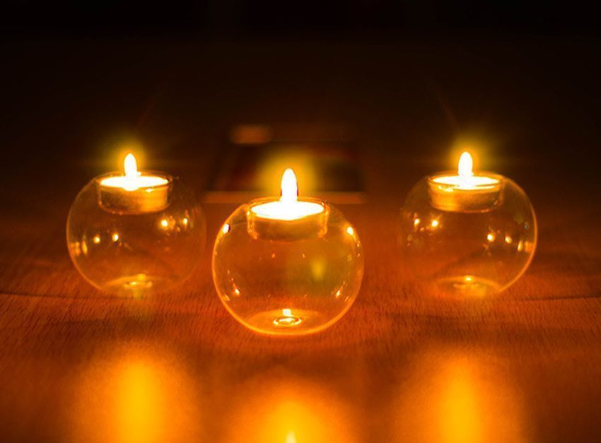 glass candle holder (1)