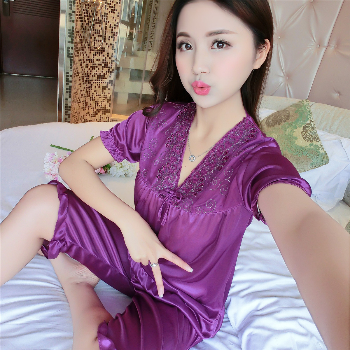 2019 New Pajamas For Women Sleepwear Sexy Satin Womens Pajama Set Lace V-Neck Pyjamas Short Sleeve Cute Shirt Top And Shorts