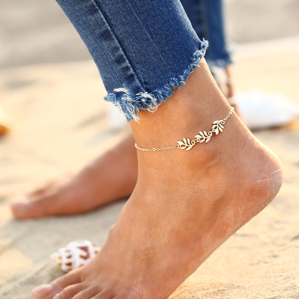 IF ME Fashion Women Silver Color Delicate Elegant Flower Chain Ankle Cute  Bracelets Alloy Sandal Beach Jewelry for Girl Gift -in Anklets from Jewelry  ... 3ff2b91513d2