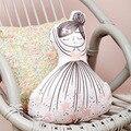 МОДУЛИ Новый пение девушка желая бутылки ребенка спокойная музыка подушку прекрасный лебедь талии подушка для опираясь на детские игрушки