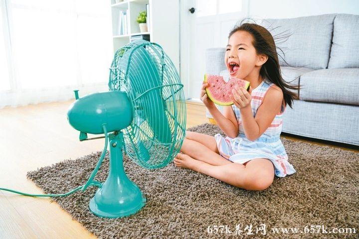 夏天体内容易有湿气中医师教你这样做远离冷气病