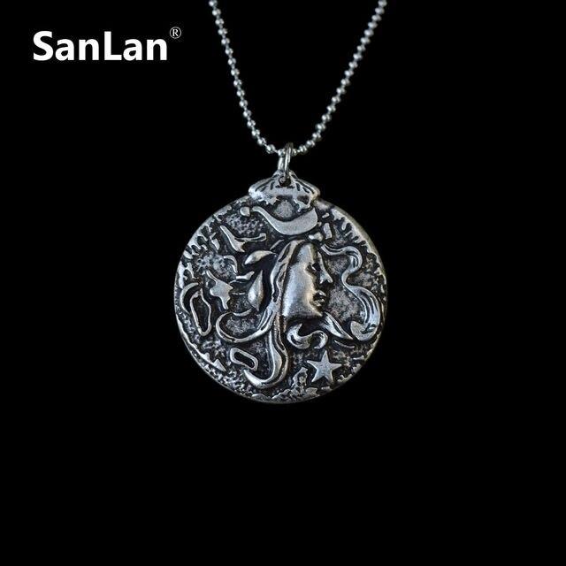 nuevo estilo 2a259 1ffe0 Collar de camafeo de madera de Medusa Gorgon cabeza de serpiente Chame con  cadena de joyería de mitología griega