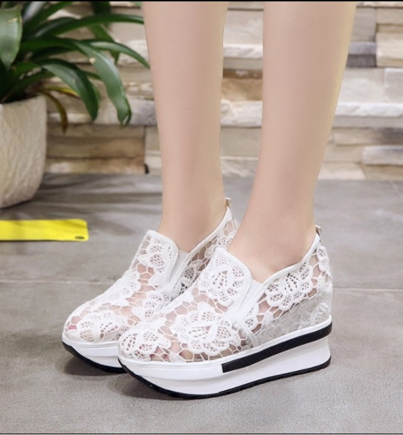 2019 Wedges Canvas Shoes For Woman Platform Vulcanized Air Mesh Shoes Hollow Lace-Up Hidden Heel Height Increasing shoes Casual 6