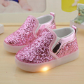 Meninas do bebê menino Sapatos Da Criança Anti-Slip Esportes luz DIODO EMISSOR de Luz até sapatos Crianças Sapatilhas de Lantejoulas Apartamentos crianças iluminação sapatos