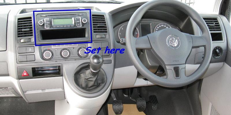 VolksWagen-VW-Transporter-2014-interior-4-s