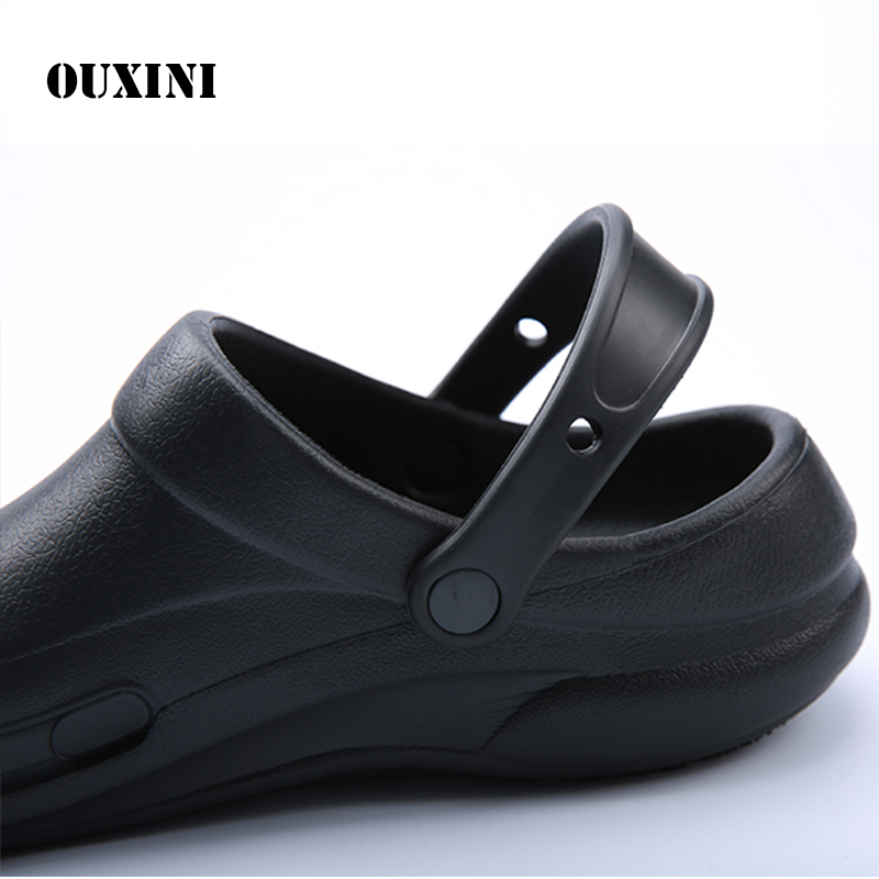 Male Chef Sandals Shoes for Kitchen Workers Super Anti-skid Shoes Black Cook Shoes Safety Clogs Oil-proof Waterproof