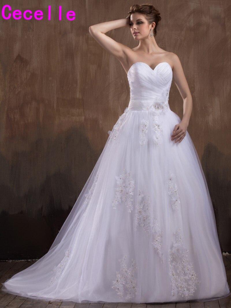 2017 New A line Long font b Wedding b font Dresses Sweetheart Beaded Lace Appliques Flowers