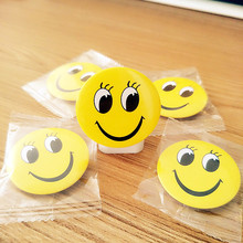 Free Shipping Smiling Face EMOJI Expression Acrylic Pin Badges Backpack Decoration Icons Clothes Decorative Badge цены
