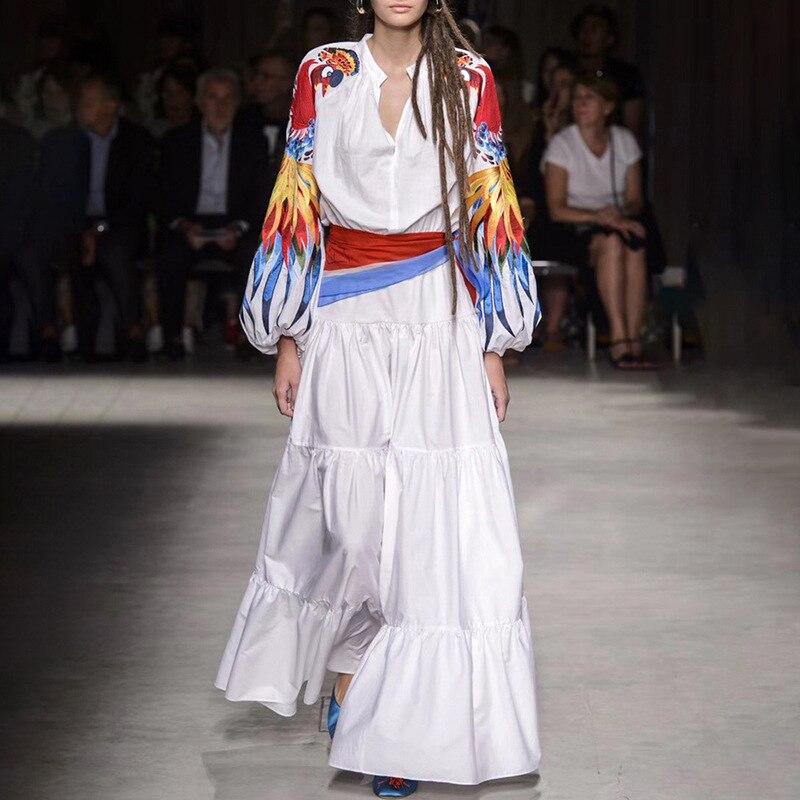 Haut de gamme blanc Phoenix broderie longue robe 2019 femmes Vintage lanterne manches plissée robe avec ceinture