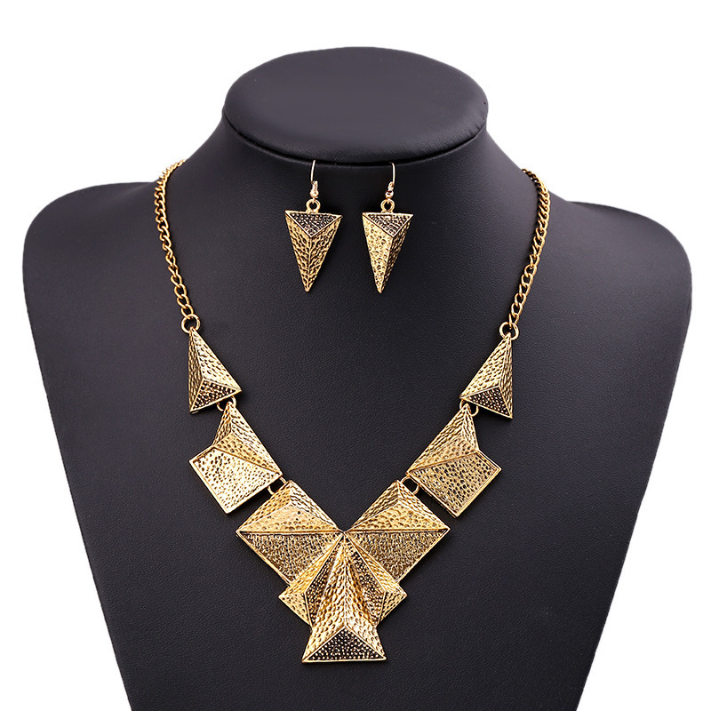 Fashion Vintage Jewelry Sets For Women Punk Metal Triangle Choker Bib Statement Necklace Earrings Jewelry Set