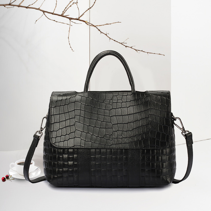 New 2nd Layer Of Leather Flip Bag Fashion Crocodile Pattern Handbag Ladies Horizontal Square Shoulder Diagonal Package 2018 new crocodile pattern female large bag the first layer of leather luxury women s rectangular shoulder bag diagonal package