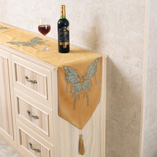 Diamond Table Runner Embroidery Gold Luxury Table Runners European Exquisite Velvet Butterfly Wedding Birthday Home Decor