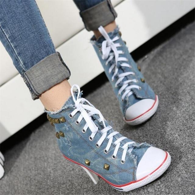 QWEDF 2019 Новая мода Для женщин джинсовая парусиновая обувь Обувь на высоком каблуке обувь с заклепками модная обувь Обувь на высоком каблуке у...