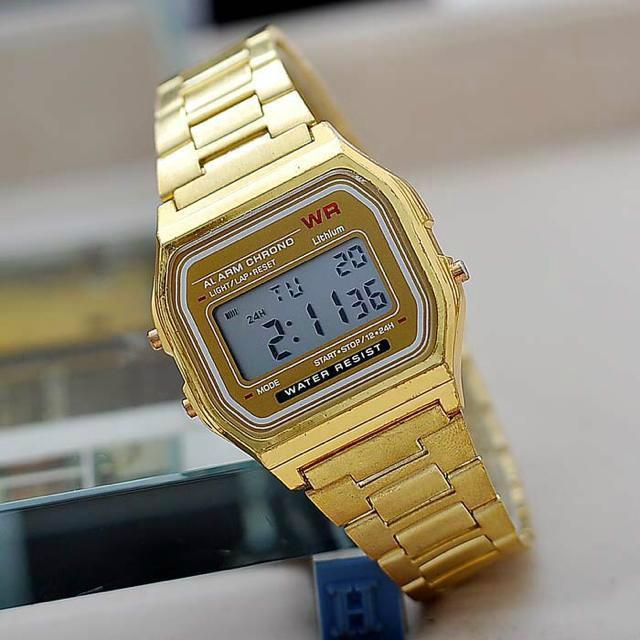 8cf41044855a Moda oro plata pareja reloj Cassio reloj digital cuadrado militar hombre    vestido de mujer deportes relojes whatch mujer oro en Relojes de mujer de  Relojes ...