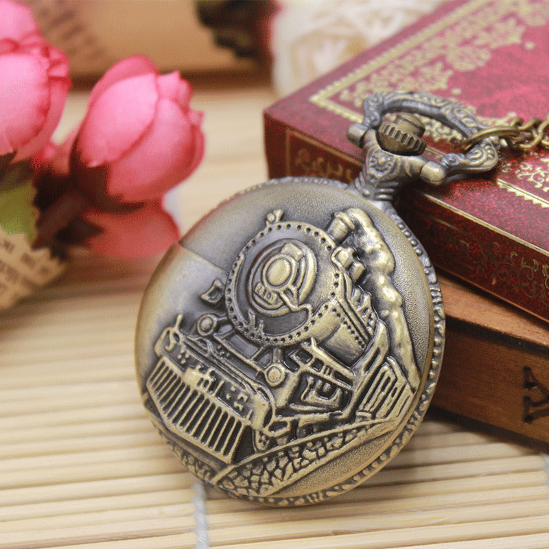 Retro Bronze Train Front Locomotive Engine Design Necklace Quartz Pocket Watch With Chain Men Women Cool Gifts Relogio De Bolso antique retro bronze car truck pattern quartz pocket watch necklace pendant gift with chain for men and women gift