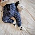 2017 Nuevo Bebé Bebé Pantalones de Tela Escocesa de la venta Caliente 0-2 años 4 colores pantalones de bebé de algodón 0-24 meses baby boy niños niñas pantalones de harén pantalones