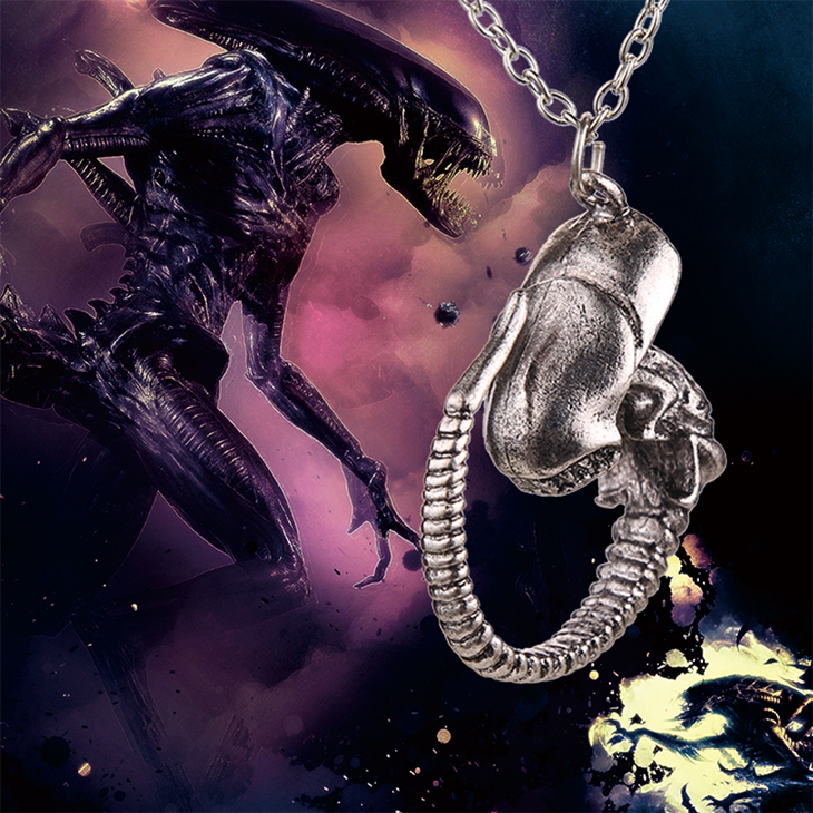 AVP Alien V Predator Covenant Necklace Alien Xenomorph ...Xenomorph Queen Prometheus