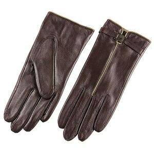 Image 4 - Nieuwe 2020 Verkoop Schapenvacht Lederen Handschoenen Vrouwen Solid Fashion Pols Winter Handschoen Swallow Tailed Stijl Gratis Verzending L050PC