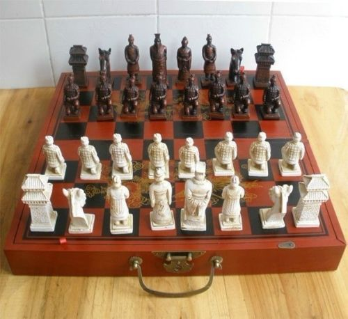 old Chinese 32 pieces chess set/box/Xian Terracota Warrior  fast shipping Statue wholesale factory BRASS Arts outlets