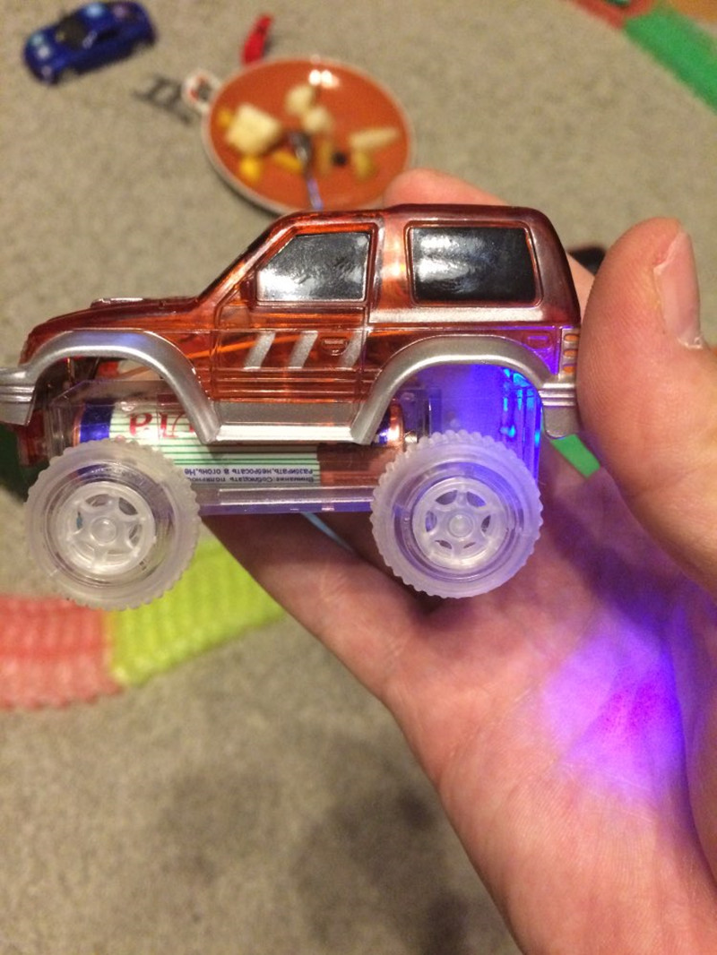 Dropshipping-LED-light-up-Car-Flashing-Lights-Educational-Toys-For-Children-Boys-Birthday-Gift-DIY-Magic-Track-Toy-cars-4