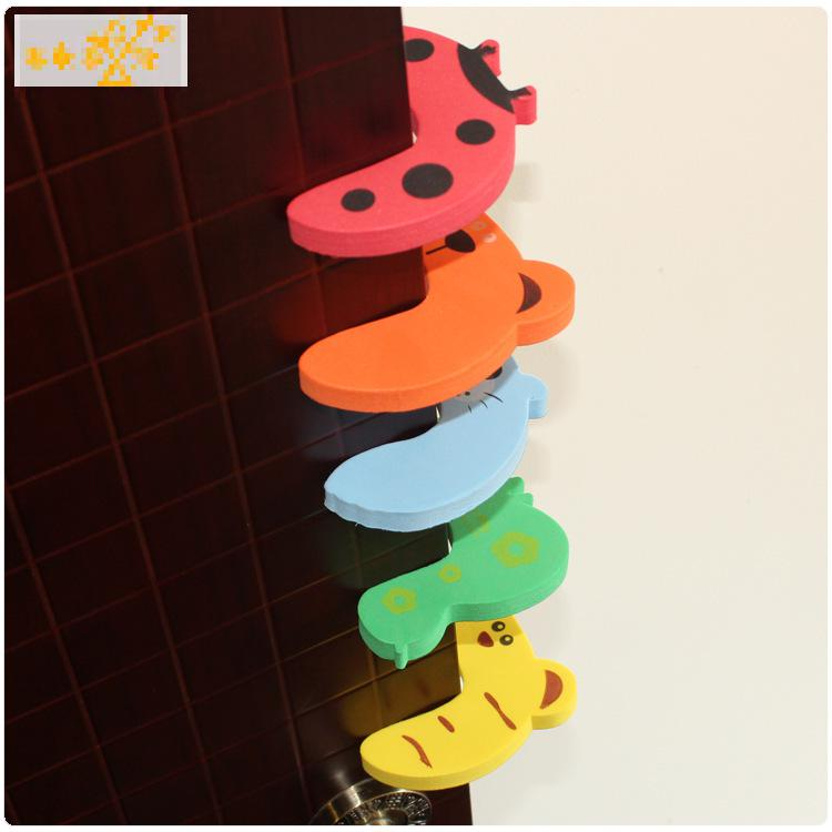 5 pcs Baby Safety Gate Exit Card Door Safety Guard Finger Protect Cartoon animals kids Veiligheid Stoper Protector