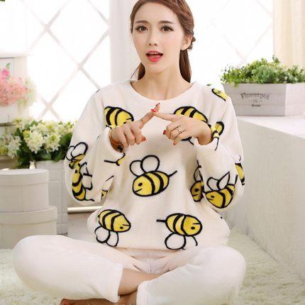 2016 Novo Inverno Quente Flanela Pijamas Para As Mulheres Qualidade de Luxo de Lã Grossa Sleepwear Bonito Em Torno Do Pescoço de Manga Longa de Roupas Em Casa