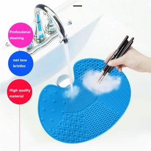 Image 3 - ONEUP Magic ซิลิโคนแปรงทำความสะอาดเครื่องสำอางแปรงแปรงทำความสะอาด PAD Scrubber BOARD แต่งหน้าเครื่องมือทำความสะอาด