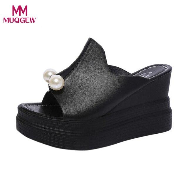 Delle donne della bocca dei Pesci Scarpe Presentazioni aziende produttrici giochi Pistoni Delle Signore di Spessore-Solido di Fondo Perla Sandali Con Zeppa Impermeabili Scarpe a testa Tonda Appartamenti