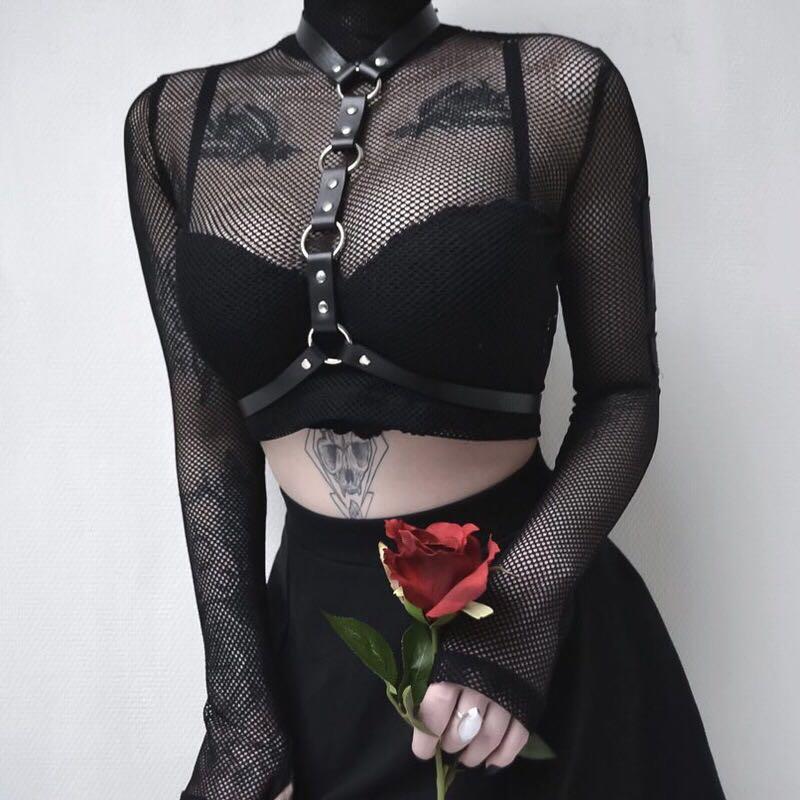 Femmes col roulé à manches longues haut court poisson net noir foncé métal sang t-shirts dames gothique steampunk sexy t-shirts avec bandage