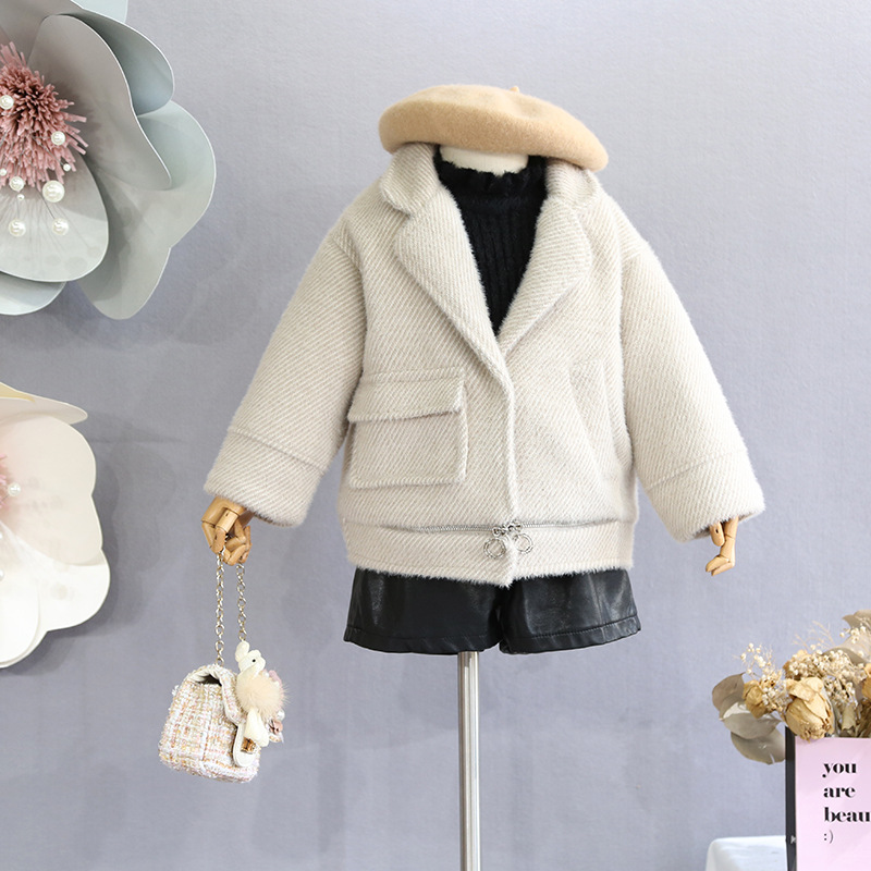 Korean version of the children's clothing 2018 winter new girls solid color thick water mink coat children's lapel coat new the spring of 2018 women s clothing sequins lapel eagle decals gauze falbala vest dress