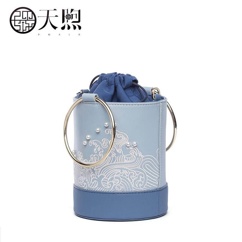 En Blue Designer À De Sac Femmes Célèbre Fourre Schoudertas Dames Mode 2019 tout Tmsix Sacs Nouvelles Broderie Cuir Seau Main Marque Light 1qgnCw