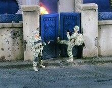 1 35 Kicking in Doors Iraq 2 Figures