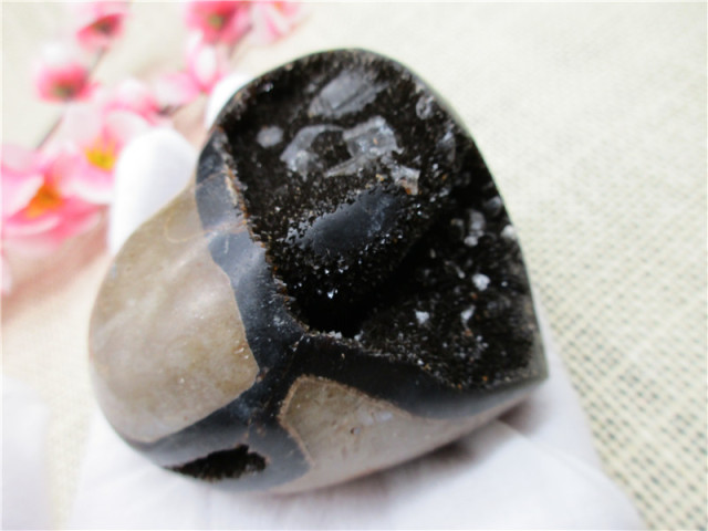 Natural RARE Septarian Nodule Fossil Heart Symbionts Crystal & Calcite Specimen Carving Crafts From Madagascar