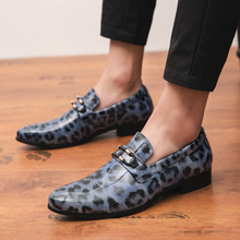 Trendy Glossy Leopard Men Casual Shoes Leather Loafer Loafers British Style Non-slip Increase Shoes Slip-on Comfortable Loafers new fashion casual men shoes flats loafer sneaker style comfortable classic slip leather snakeskin pattern simple style