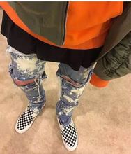 2017 Newest Kanye West Spray Paint Destroyed Biker Denim Skinny Fit Zippered Ankle Vintage Indigo Stretch Cotton Ripped Jeans