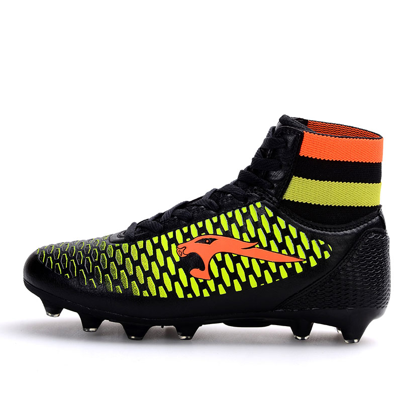 Ботинки футбола из Китая